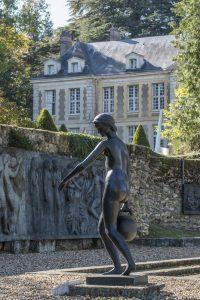 L'attribut alt de cette image est vide, son nom de fichier est St-Remy-Coubertin-chat-jardin-200x300.jpg.