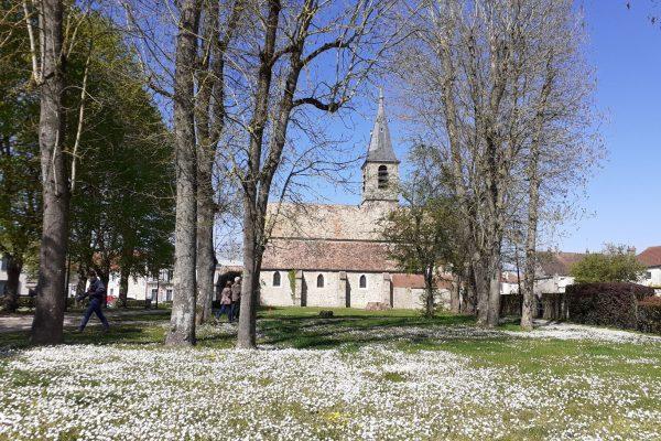 Eglise du Mesnil Saint Denis.