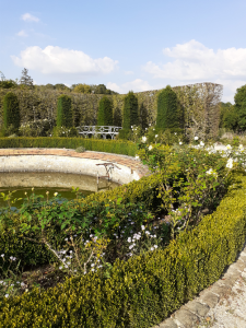 L'attribut alt de cette image est vide, son nom de fichier est bassin-obelisques-breteuil-jardin-sept-225x300.png.